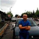 Валижон Махмудов