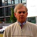 Виктор Коробов