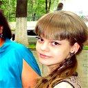 Лиза Гапонова